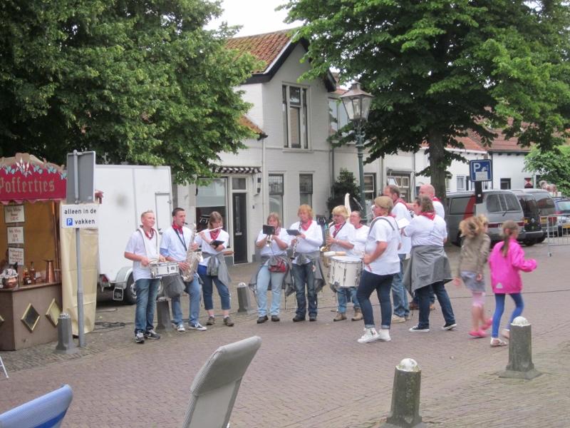 Optreden Witte Dweil Markt Haamstede 2012